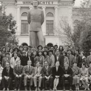 Июнь 1985 г. Встреча выпускников 1975 года. На фото: Горцев А.М., Гладких Б.А., Конев В.В., Медведев Г.А., Параев Ю.И., Матросова А.Ю.